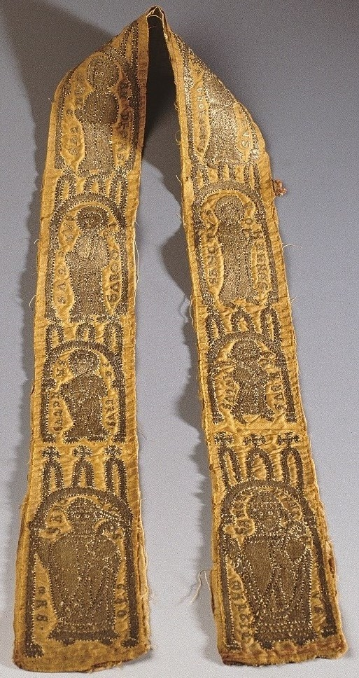 Maniple embroidered in gold