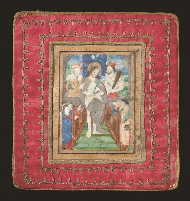 Pale en soie rouge avec Ecce Homo