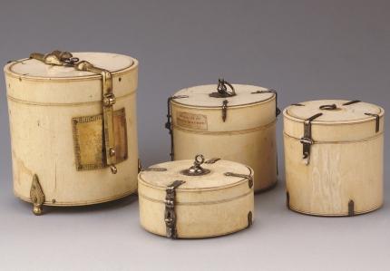 Ivoren koffertjes